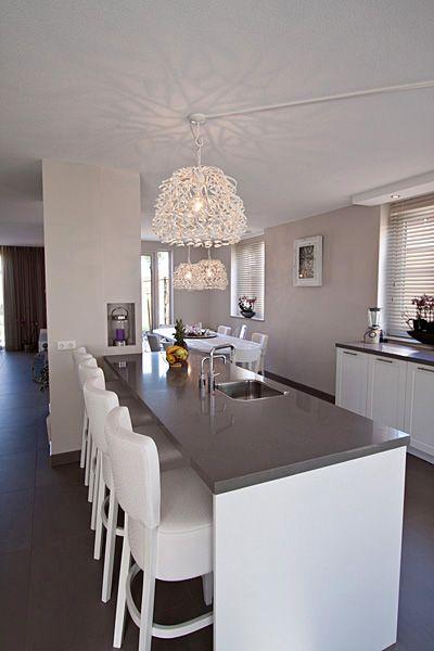Inrichting en ontwerp keuken en woonkamer - barkrukken | Pinterest ...