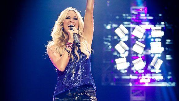 Carrie Underwood Sings Sunday Night Football Theme Carrie Underwood News Carrie Underwood Sunday Night Football