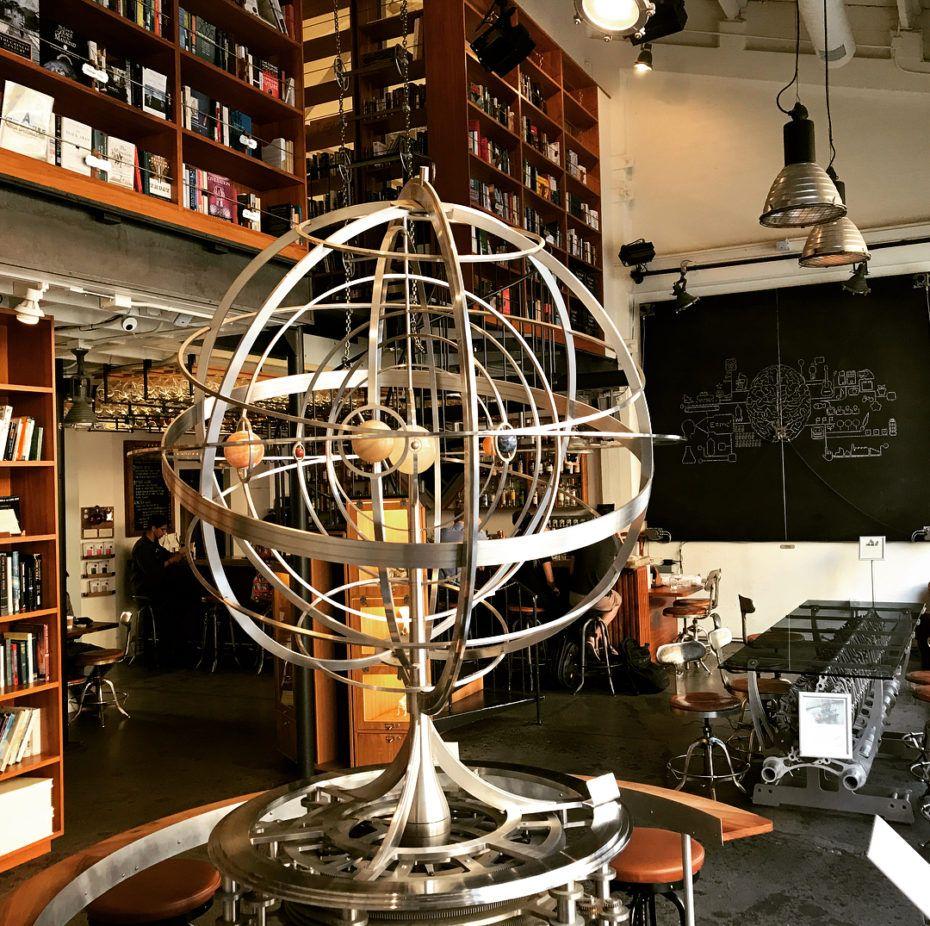 Hiding A 10 000 Year Clock Inside A Mountain In 2020 Huge Clock Clock Doomsday Clock