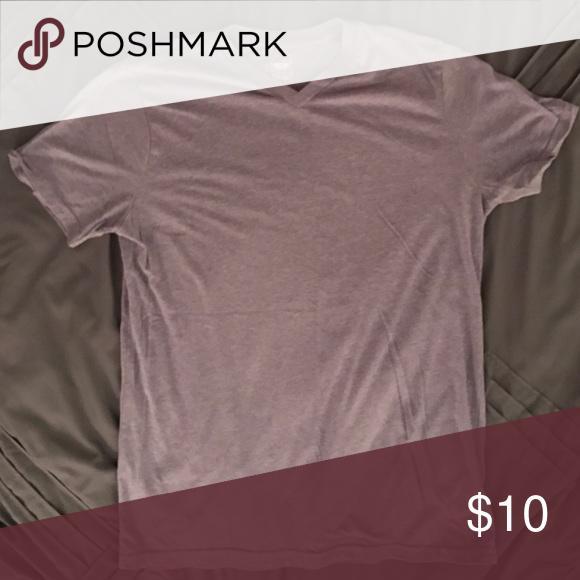 Men's Mossimo Supply Co. t-shirt V-neck Light purple Mossimo Supply Co. t-shirt, size Large, athletic fit Mossimo Supply Co. Shirts Tees - Short Sleeve