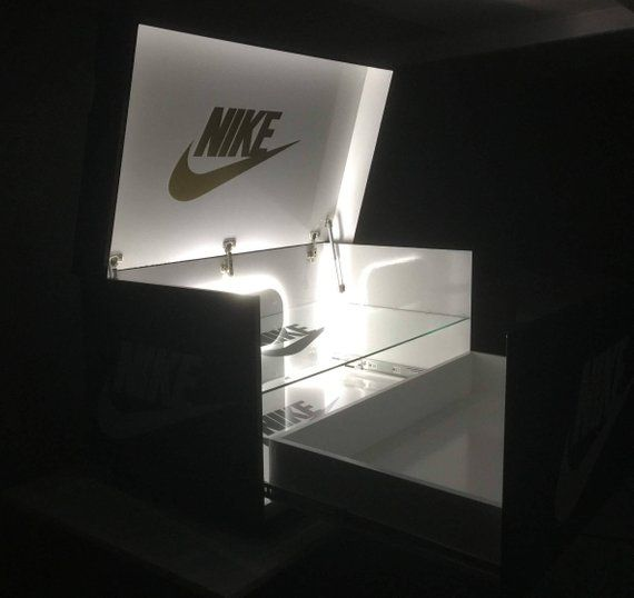 Chaussure géante boîte nike avec lumières led et étagère en | Etsy ...