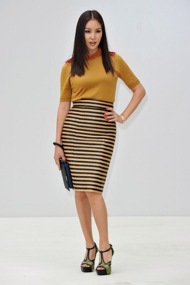 385146e59 Cómo usar faldas tubo   VARIEDAD   Faldas tubo, Faldas y Outfits con ...
