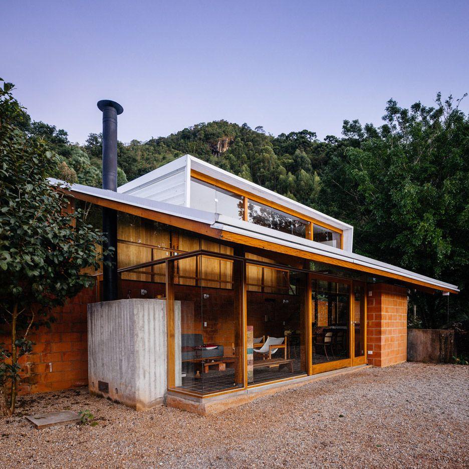 Half-slope House by Denis Joelsons Gabriela Barauna Uchida