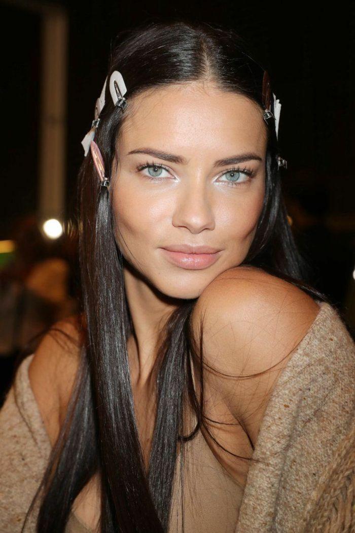 Id e coiffure description couleur cheveux chatain fonc yeux bleus cheveux lisses - Yeux bleu fonce ...