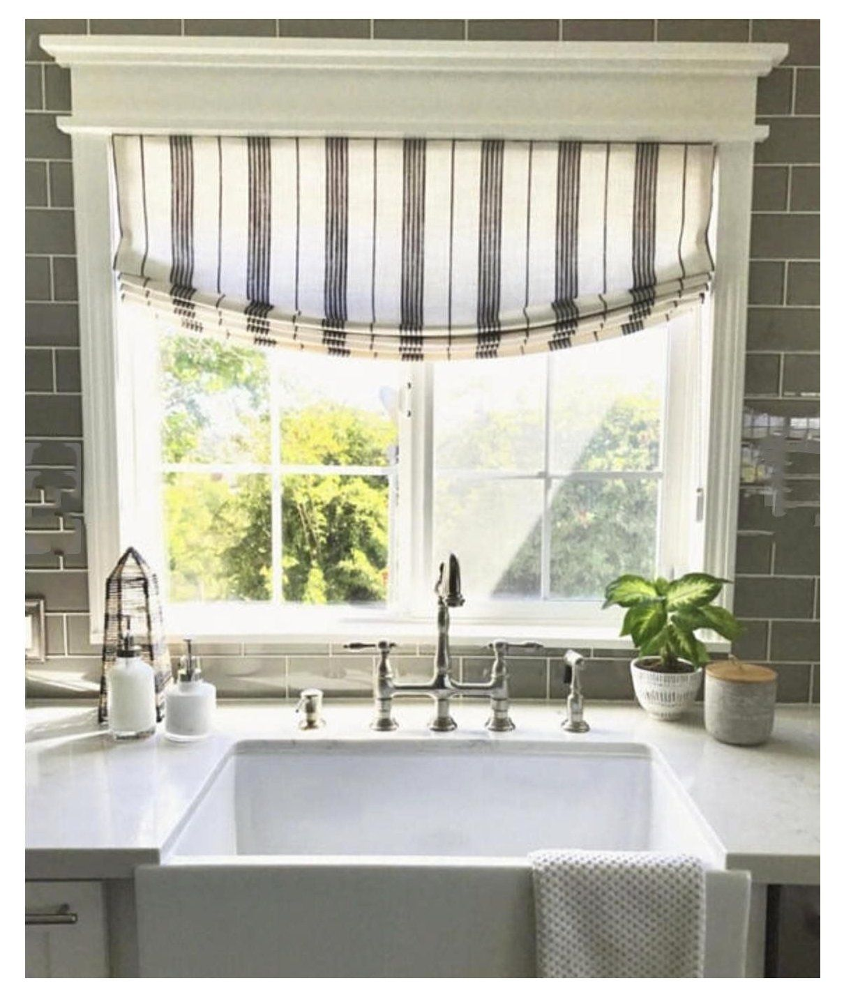 Pin By Sophie Pike On Future Home In 2020 Kitchen Window Coverings Roman Shades Kitchen Kitchen Window Treatments
