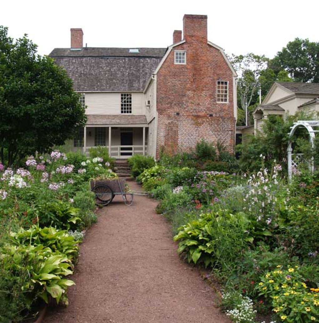 Colonial Colonial Revival Garden Design Colonial Garden Farmhouse Landscaping Garden Design