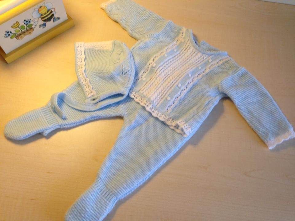 Baby boy outfit. Blue. White.