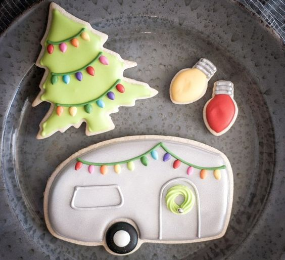 25 Christmas Sugar Cookie Tutorials and Inspiration! DECORATED