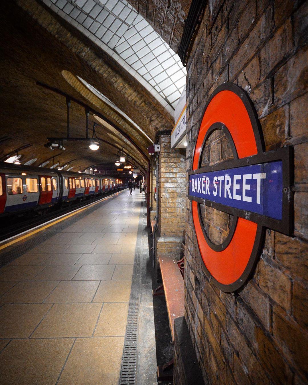 "Christmas Eve Broadway Shows 2020 Damien Rivoire | London 🇬🇧 on Instagram: ""Bye London, Hello"