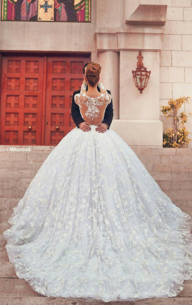Top 10 Best Wedding Photographers In The World Topteny Com Ball Gowns Wedding Ball Gown Wedding Dress Bridal Ball Gown