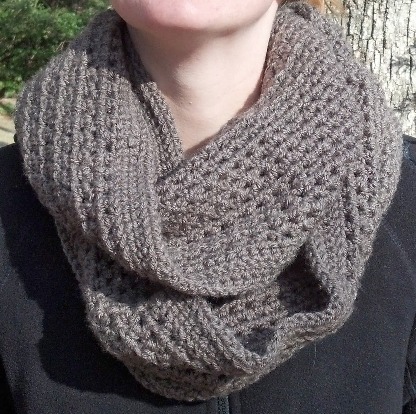 Free Pattern: Honeycomb Infinity Scarf | Knit A Bit, Crochet Away ...