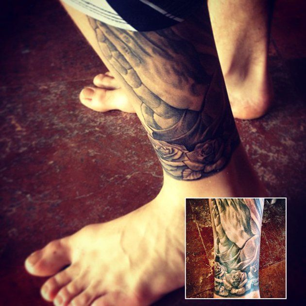 Justin Bieber Tattoo Guide Justin Bieber Tattoos Celebrity Tattoos Praying Hands Tattoo