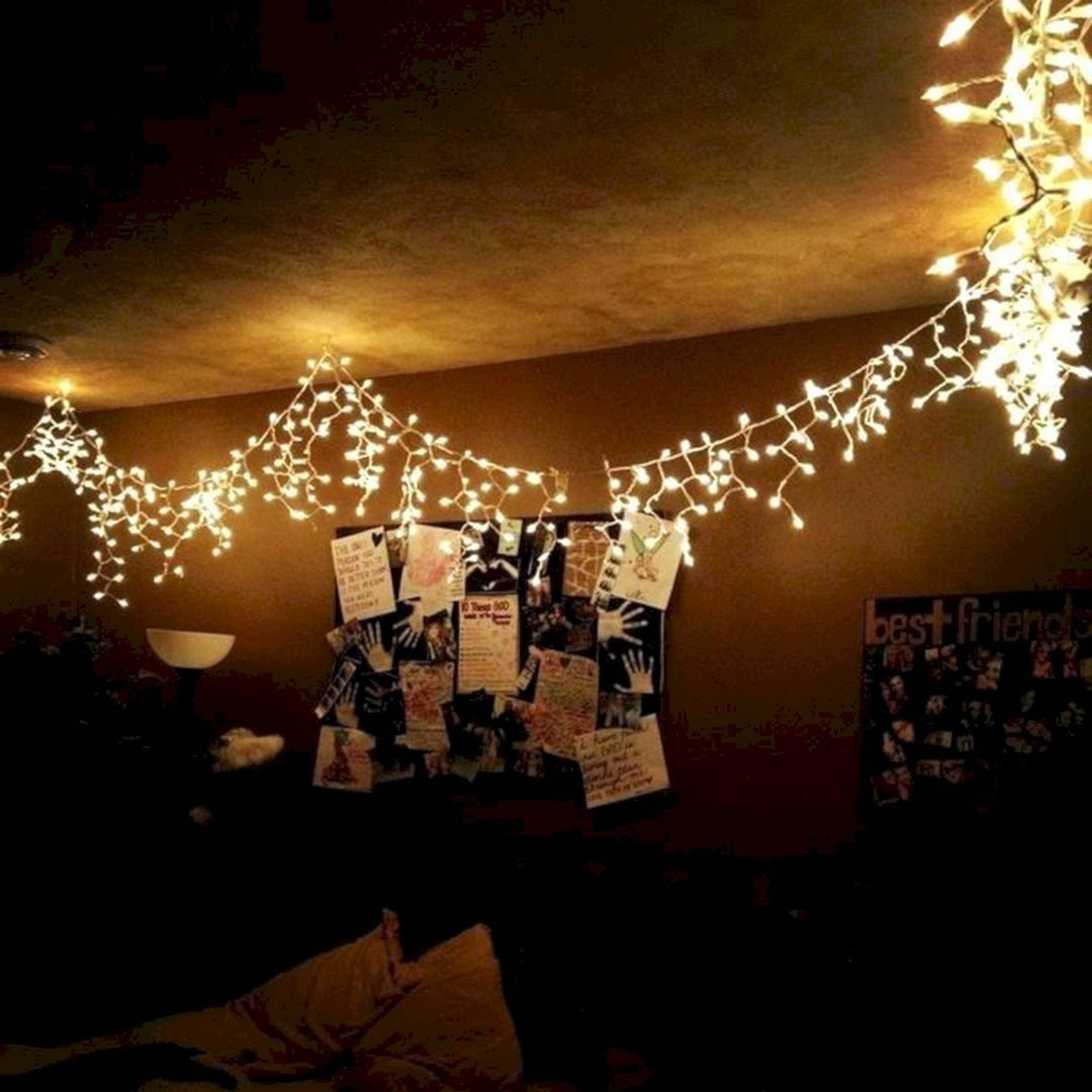 Astounding 35 Amazing Christmas Light Bedroom Decoration Ideas Https Usdecorating Com Christmas Lights In Bedroom Christmas Lights In Room Fairy Lights Room