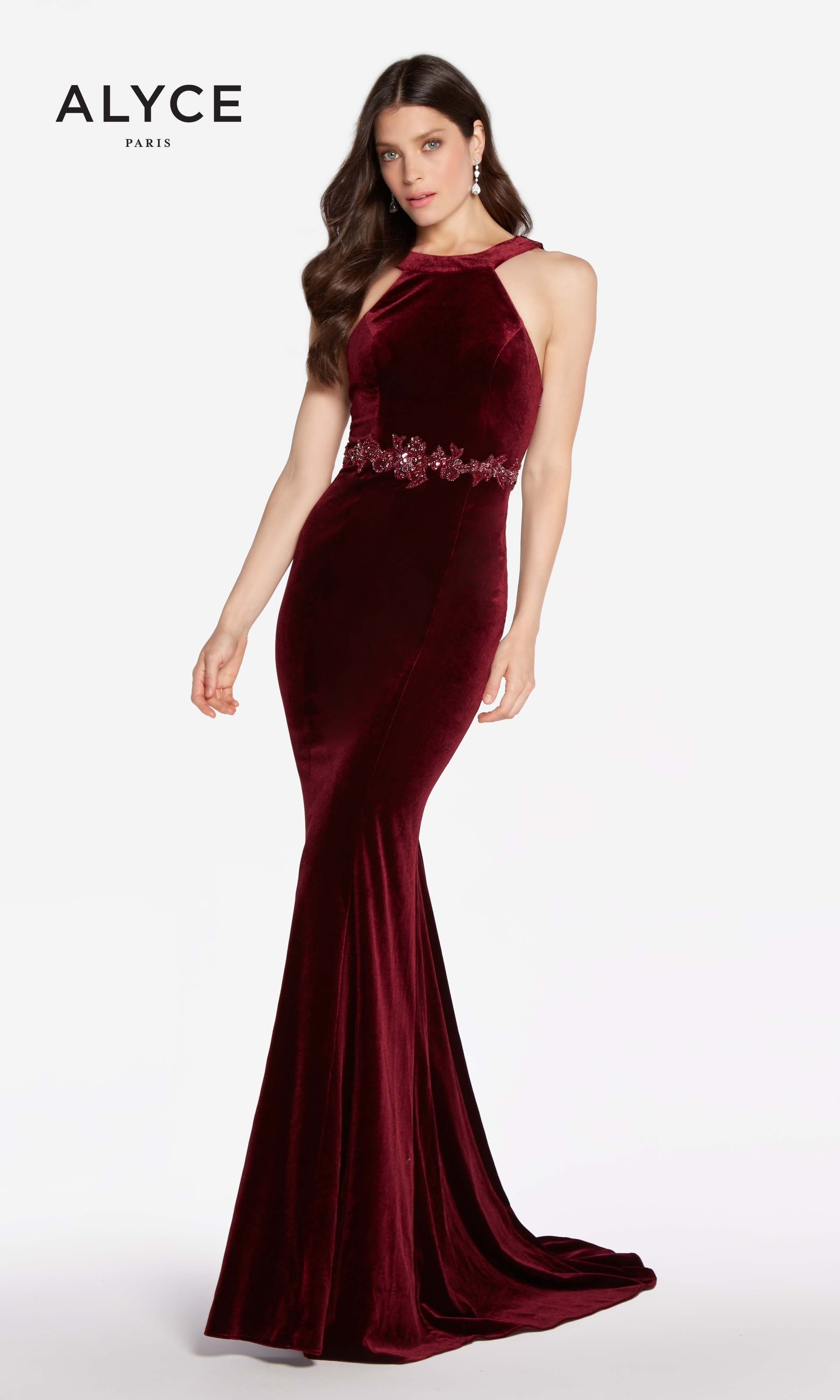 Tuck Up Your Pin Curls For Alyce 60072 This Old Hollywood Glam Velvet Dress Features A Alyce Paris Prom Dresses Formal Dresses Gowns Formal Dresses For Women [ 3998 x 2400 Pixel ]