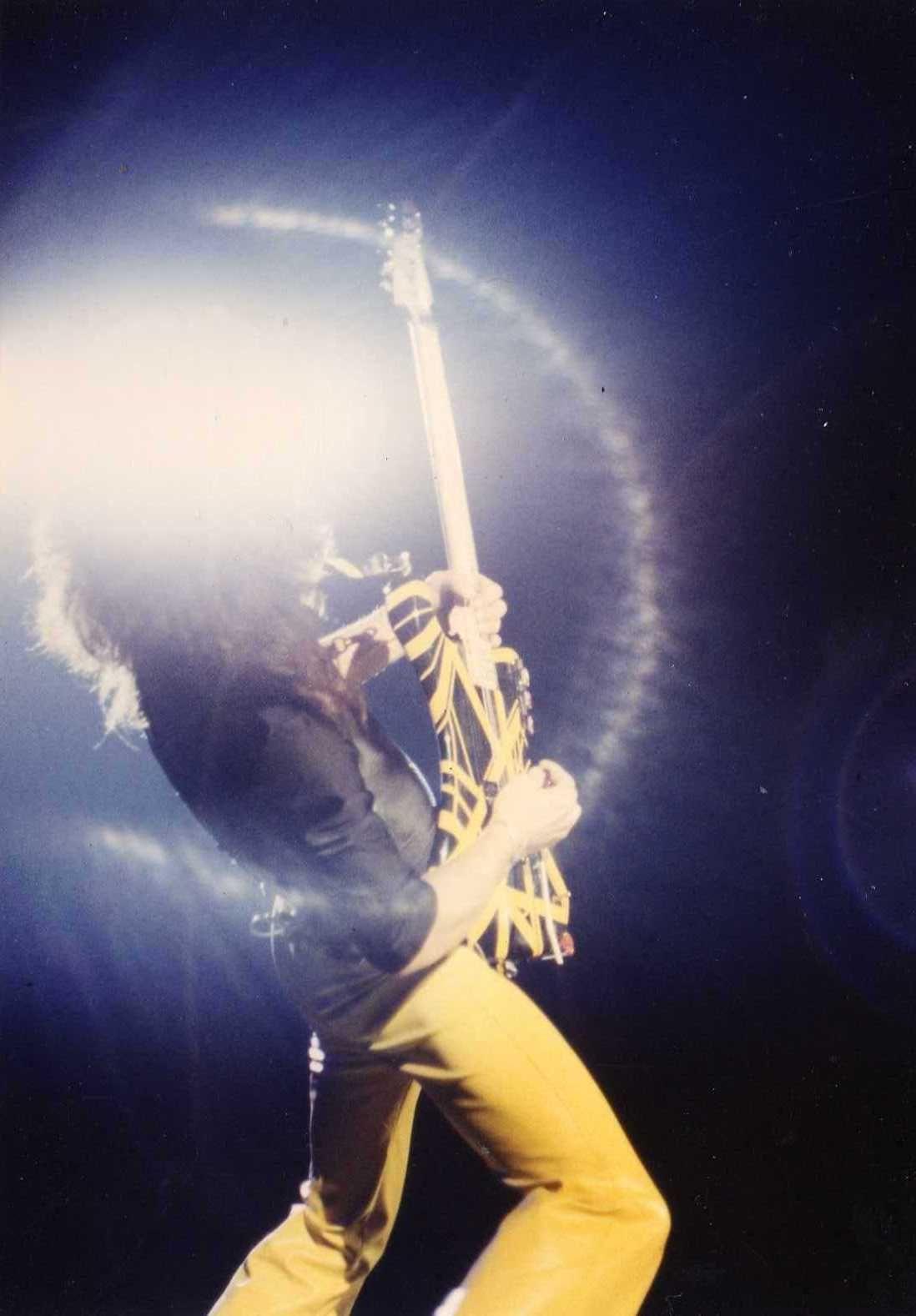 Eddie Van Halen Literally Shines El Rock