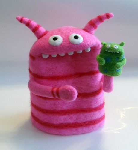 I love this monster by Moxie. Very inspiring! Hi, I'm a pink striped monster wif my own puppet. Wanna see me make him talk?