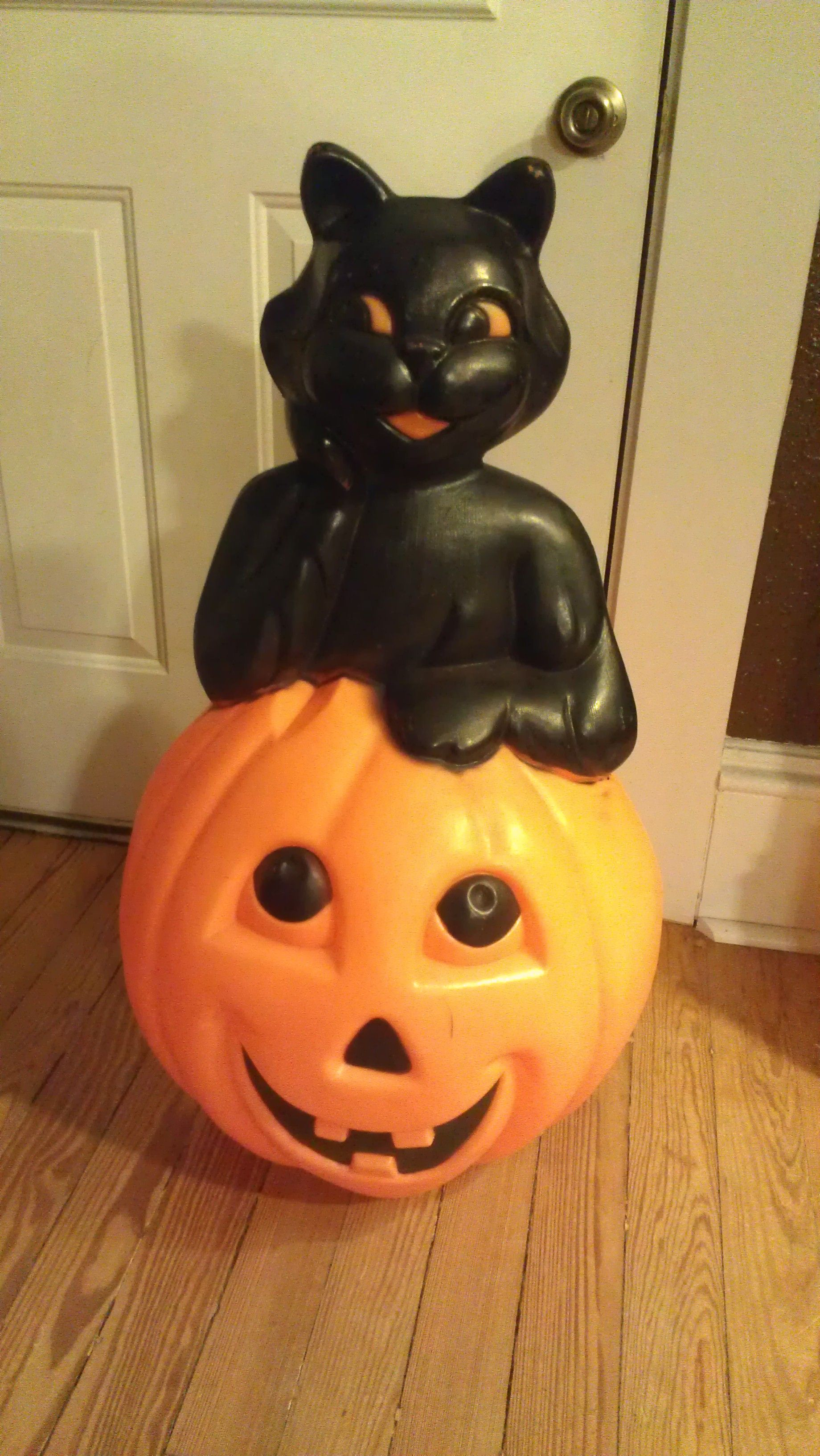 Holiday blow molds with images retro halloween