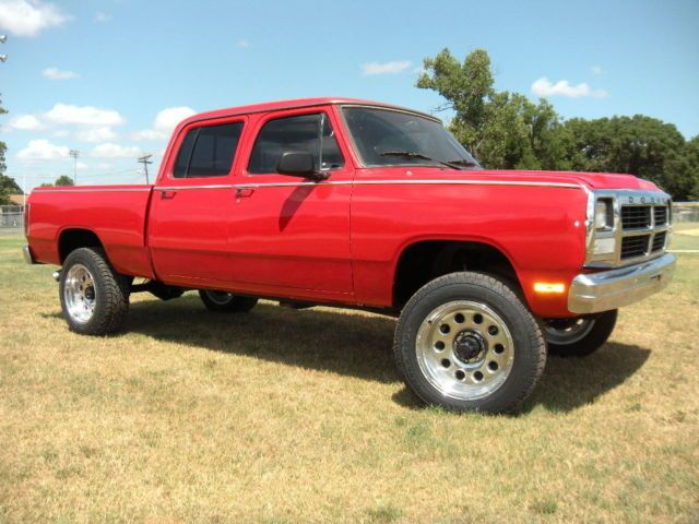 dodge other no reserve a texas 1983 w350 crew cab short bed swb 4x4 cummins diesel auto. Black Bedroom Furniture Sets. Home Design Ideas