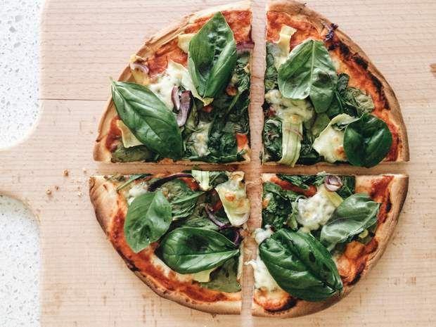 Les pizzas les moins caloriques en 2020 | Pizza fait maison, Idée pizza et Pizza végétarienne