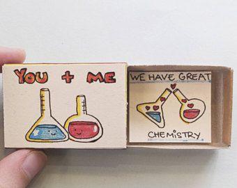"""Witzige Karte / Jahrestag Karte / besondere Valentinstag Geschenk / Valentinstag-Karte für Frau / Karte für Freund / """"Wir haben große Chemie"""" / LV101"""