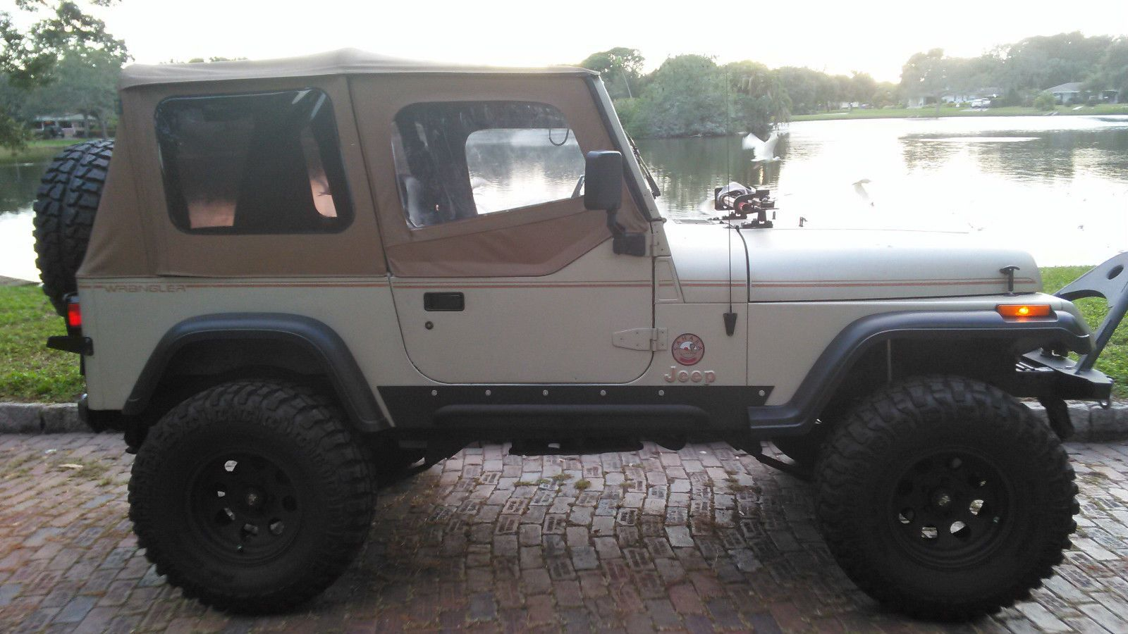 1992 Jeep Wrangler Sahara Sport Utility 2 Door 4 0l Jeep Wrangler Sahara Jeep Wrangler Jeep