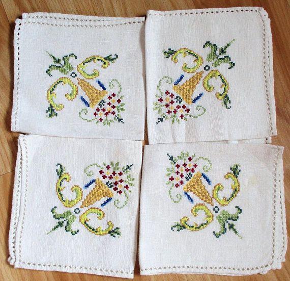 Vintage Linen Napkins Cross Stitch Floral Embroidery Ecru Color Set 0f 4 Handmade Embroidered Luncheon Napkins Eco Friendly Cloth Napkins