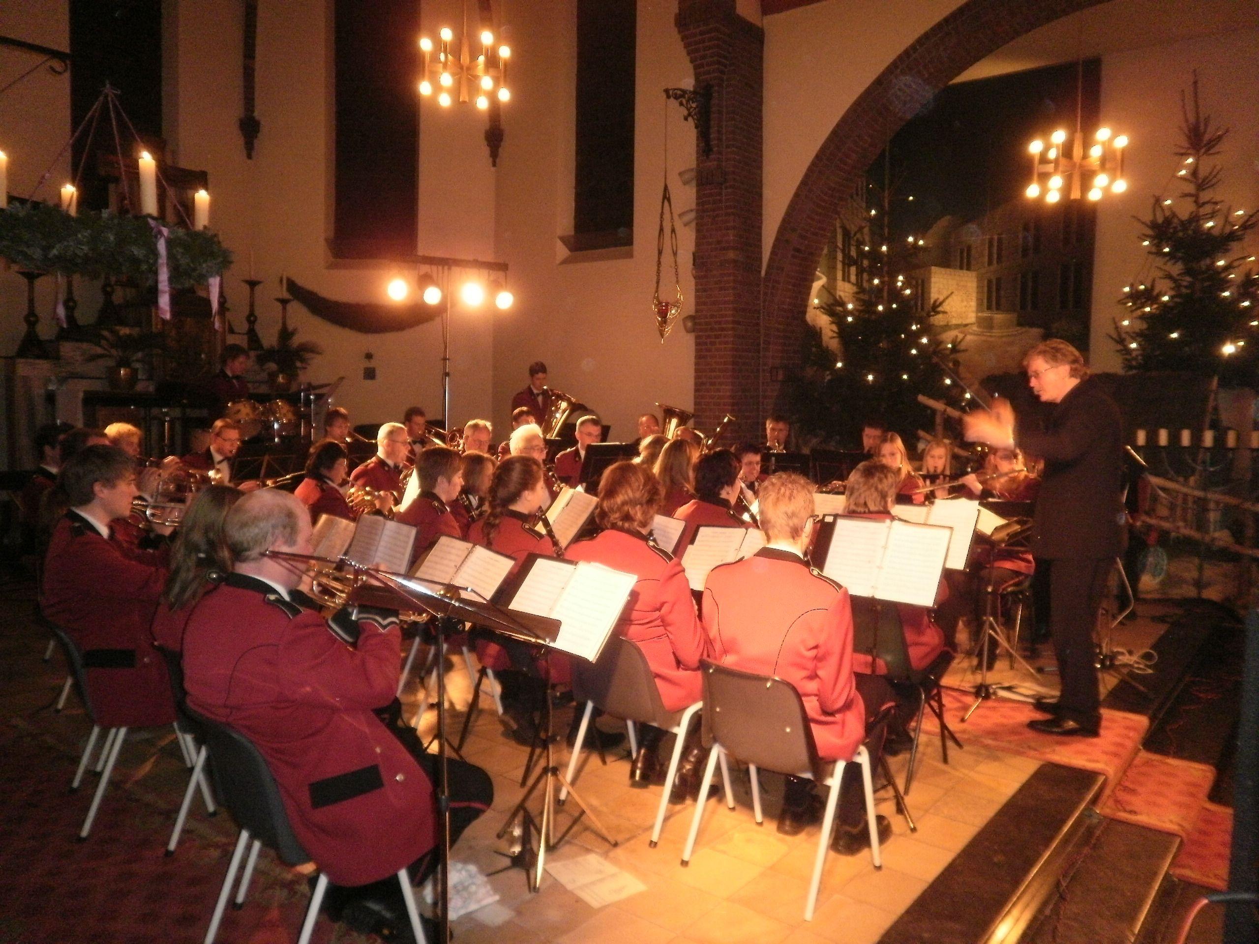 Jaarlijks houdt de Plechelmus Harmonie een Kerstconcert in de kerk van De Lutte