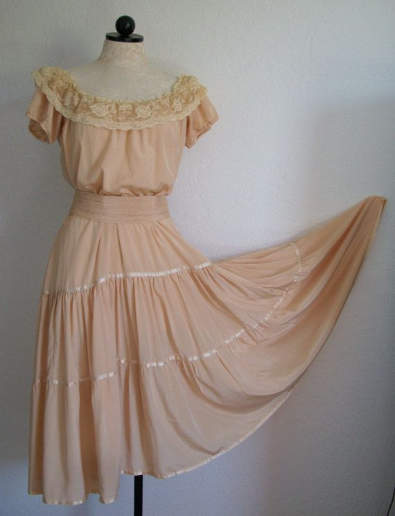 "Vintage Lace Neckline Boho Peasant Gypsy Dress 137"" Sweep Hemline, $95.00"