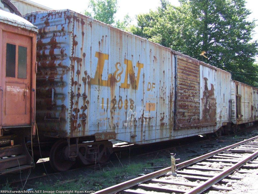 Louisville & Nashville boxcar Abandoned train, Railroad