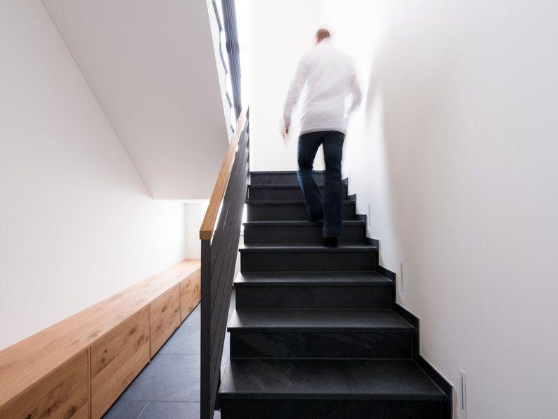 schieferfliesen mustang fein gespalten treppen. Black Bedroom Furniture Sets. Home Design Ideas