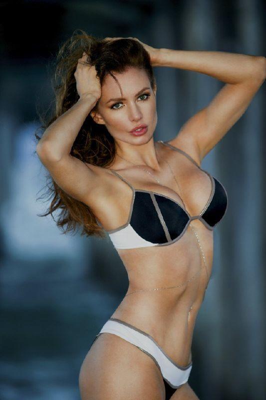 Hot Bikini Russian Beauties