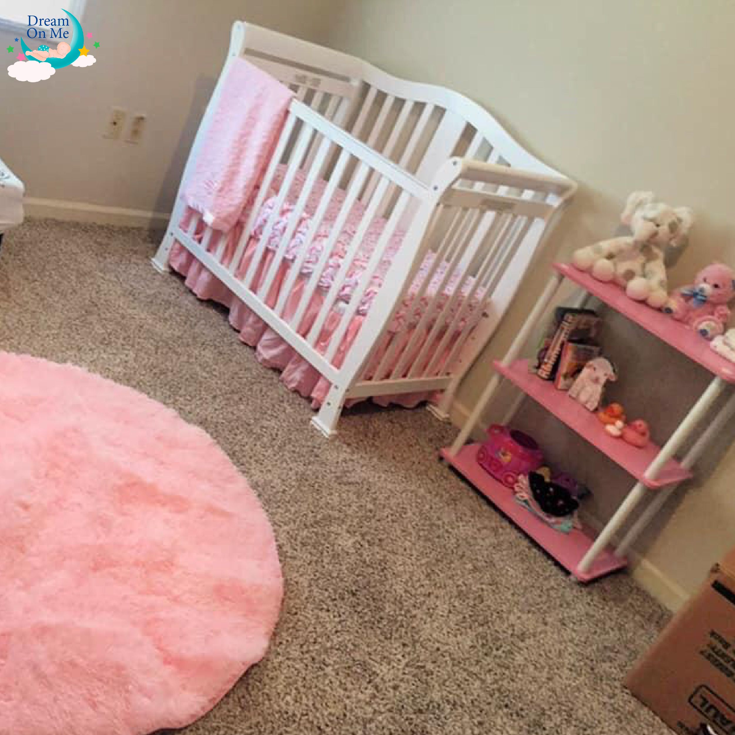 It S A Beautiful Bed And The Size Is Perfect Michelle Moore The Addison 4 In 1 Convertible Mini Crib Is Available In 5 Popular Mini Crib Cribs Baby Cribs