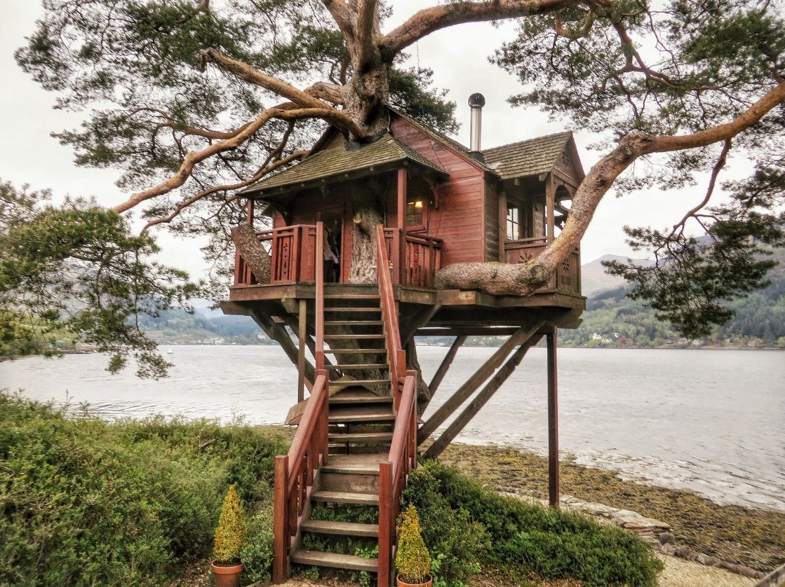 treehouse at the lodge in loch goil scotland treehouses