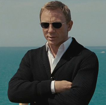 Shawl Collars For Men Are Everywhere Tom Ford S Cardigan On New Bond Stylish Men Mens Style Looks Daniel Craig Style