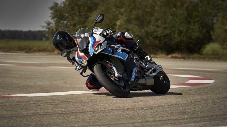 BMW M1000RR, il marchio M di BMW sbarca nelle motociclette