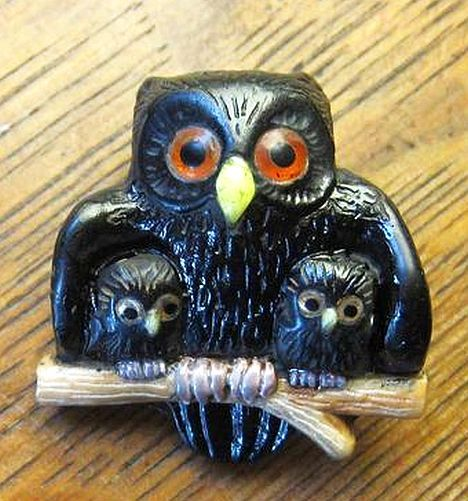 Carved Mother Owl & 2 Baby Owlets Button Jet Bakelite Vegetable Ivory and Bone