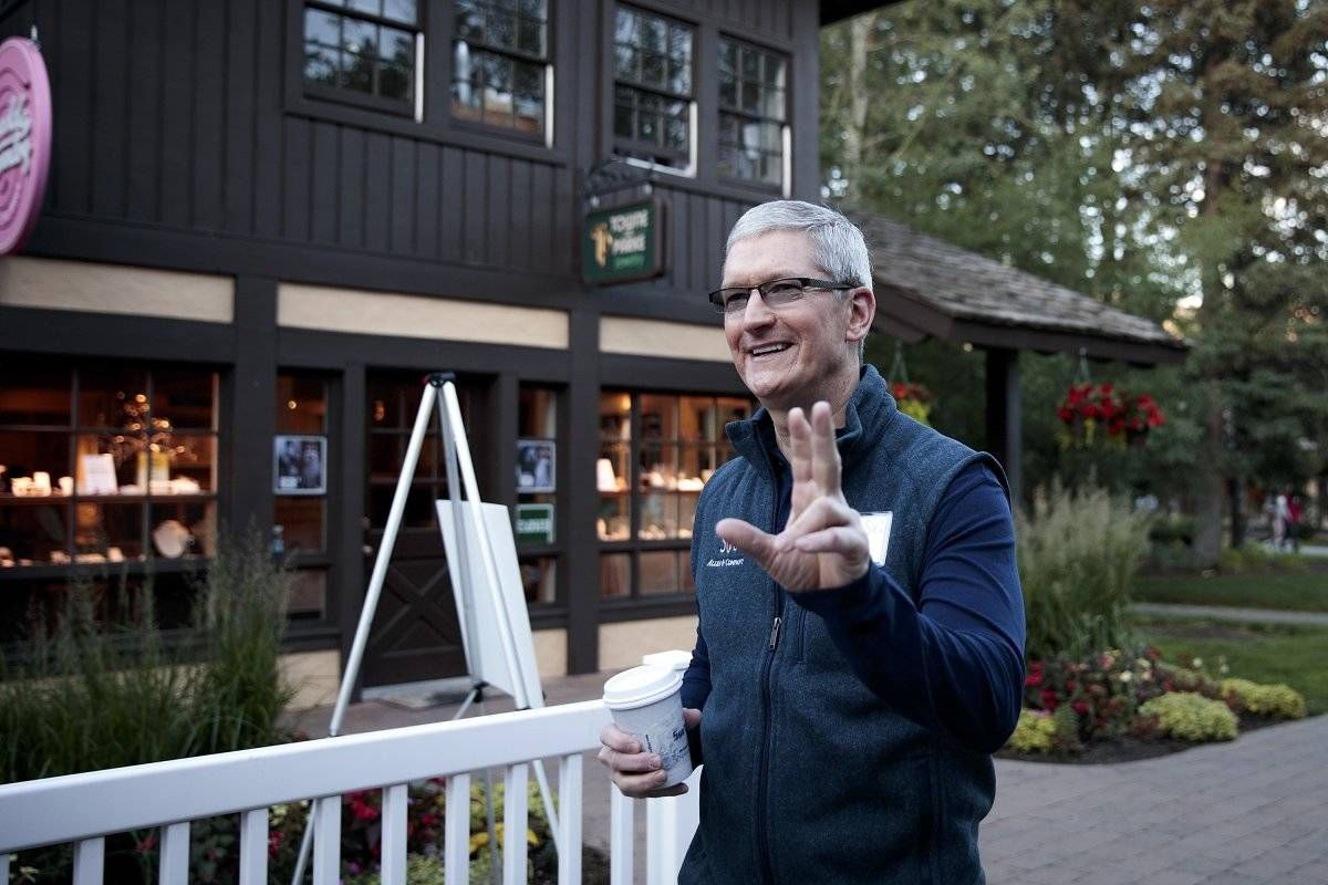 Apple CEO Tim Cook has spent the past few days hanging out with the biggest figures in tech and media during the Sun Valley Idaho conference, but apparentl