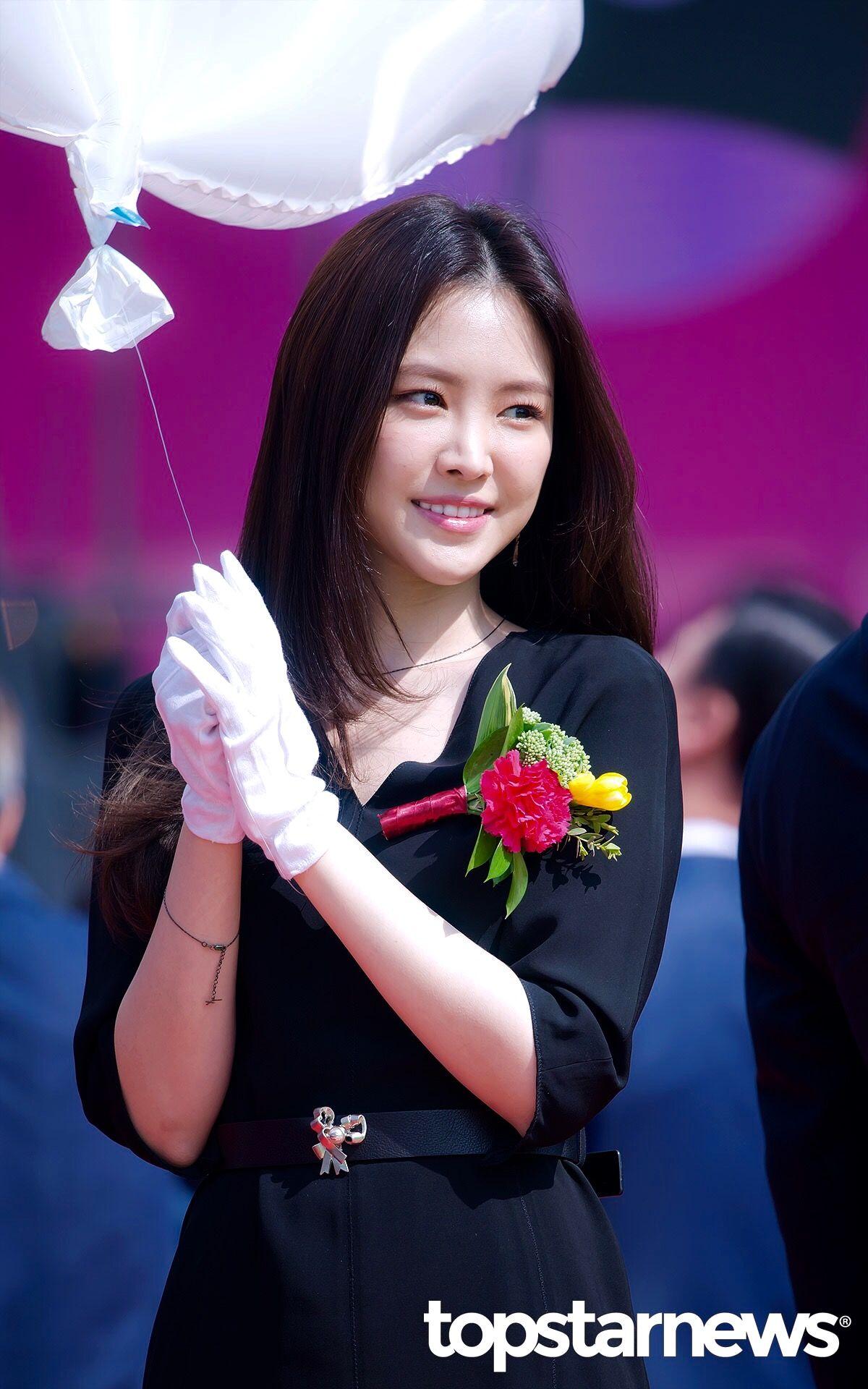 Pin by Mika Kato on Apink naeun | Flower girl dresses ...