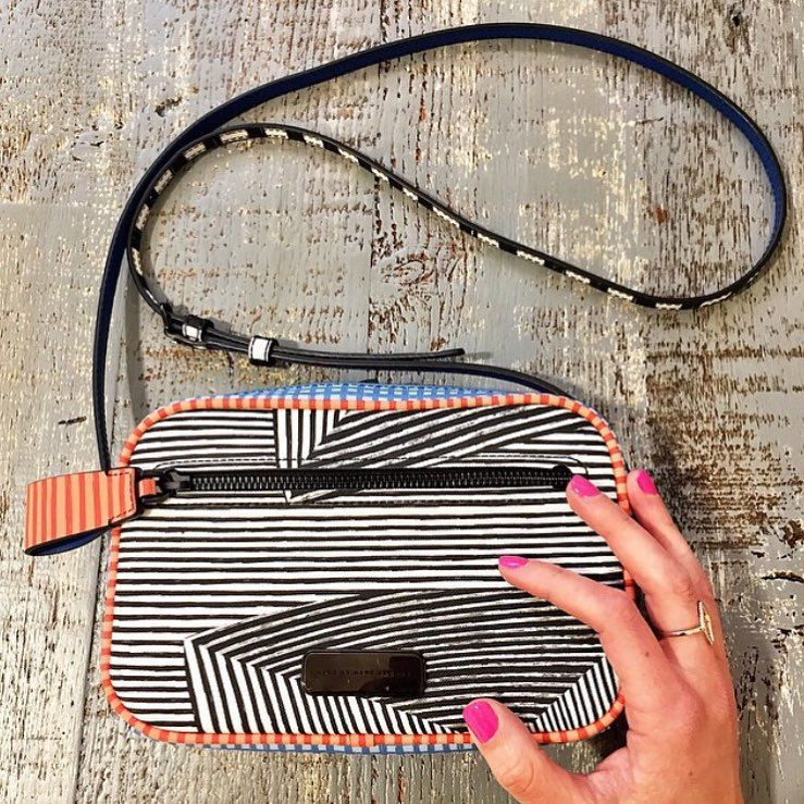"""Nordstrom no Instagram: """"Cute. ☝️ #handbag #stripes #nordstrom"""""""