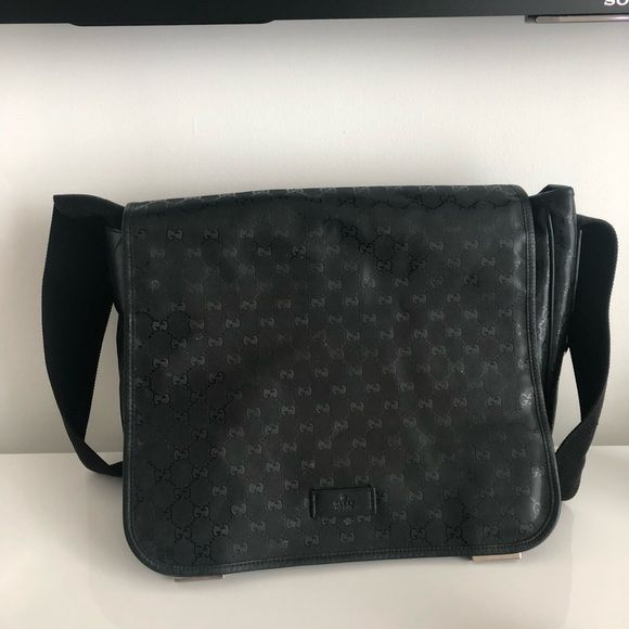 40489e57a16a12 Gucci baby bag Black imprime Gucci baby bag with changing pad Gucci Bags  Baby Bags
