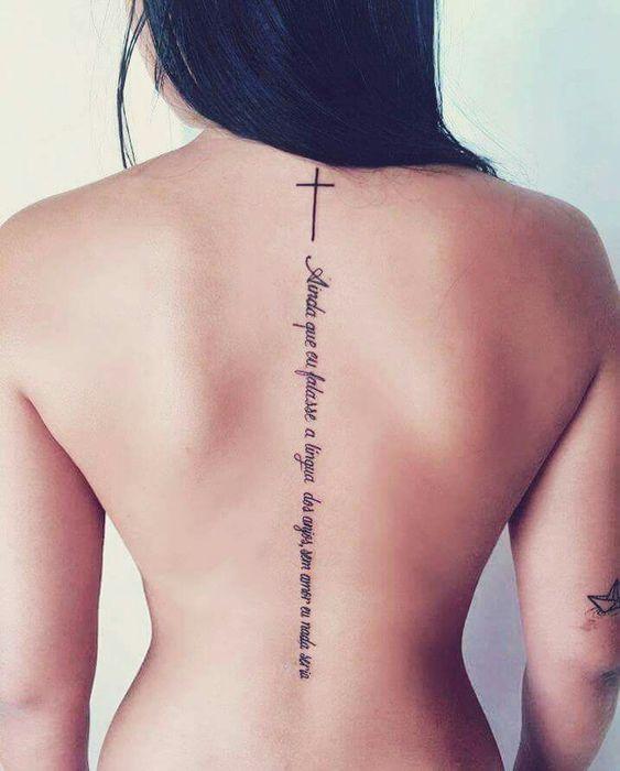 tatuagens escritas no ombro as melhores