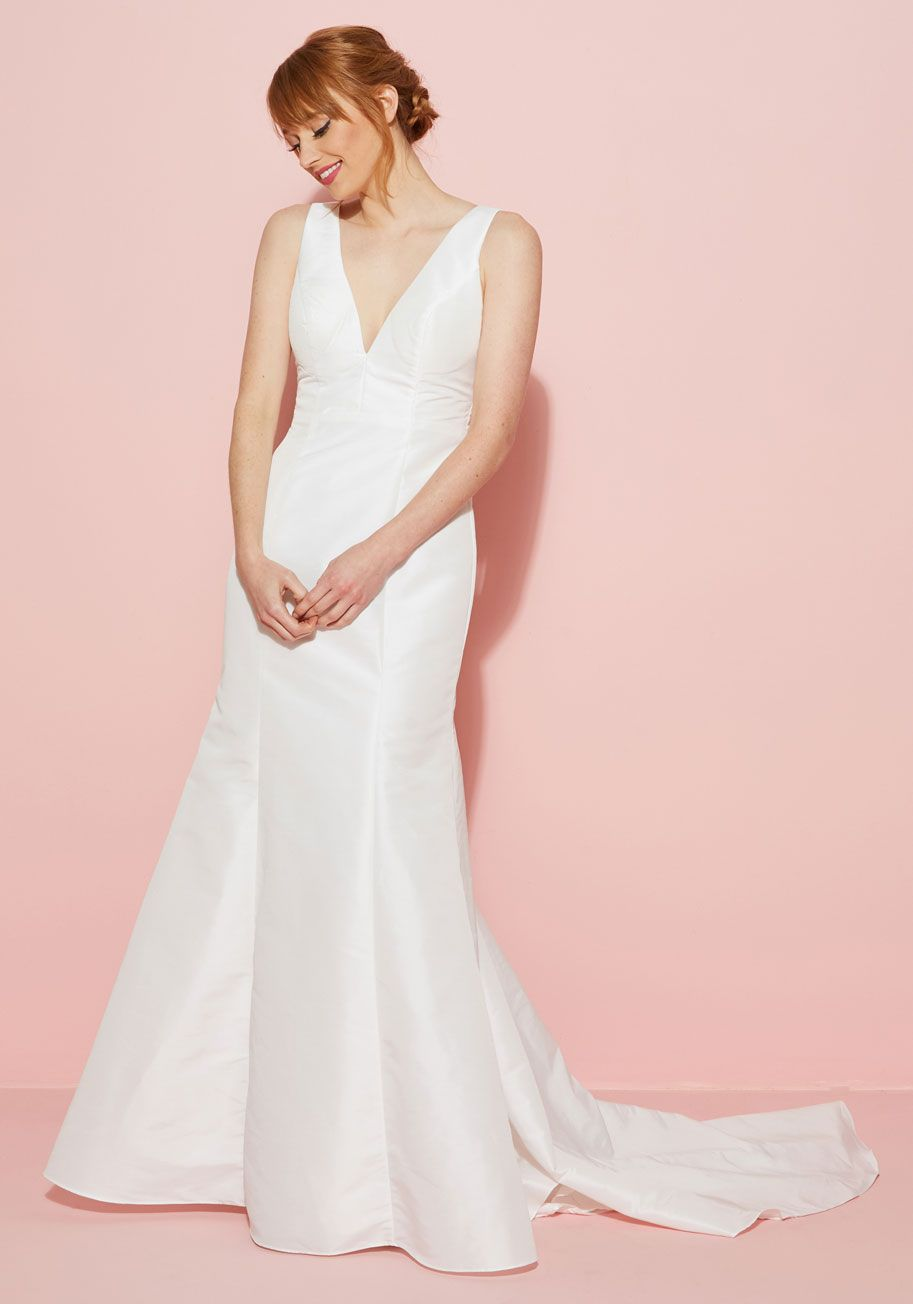 $105 (sale) | Modcloth With a romantic V-neckline mirroring its ...