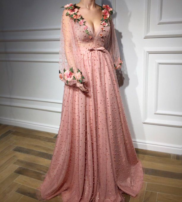 Embedded   Gowns   Pinterest   Moda de alfombra roja, Noche de ...