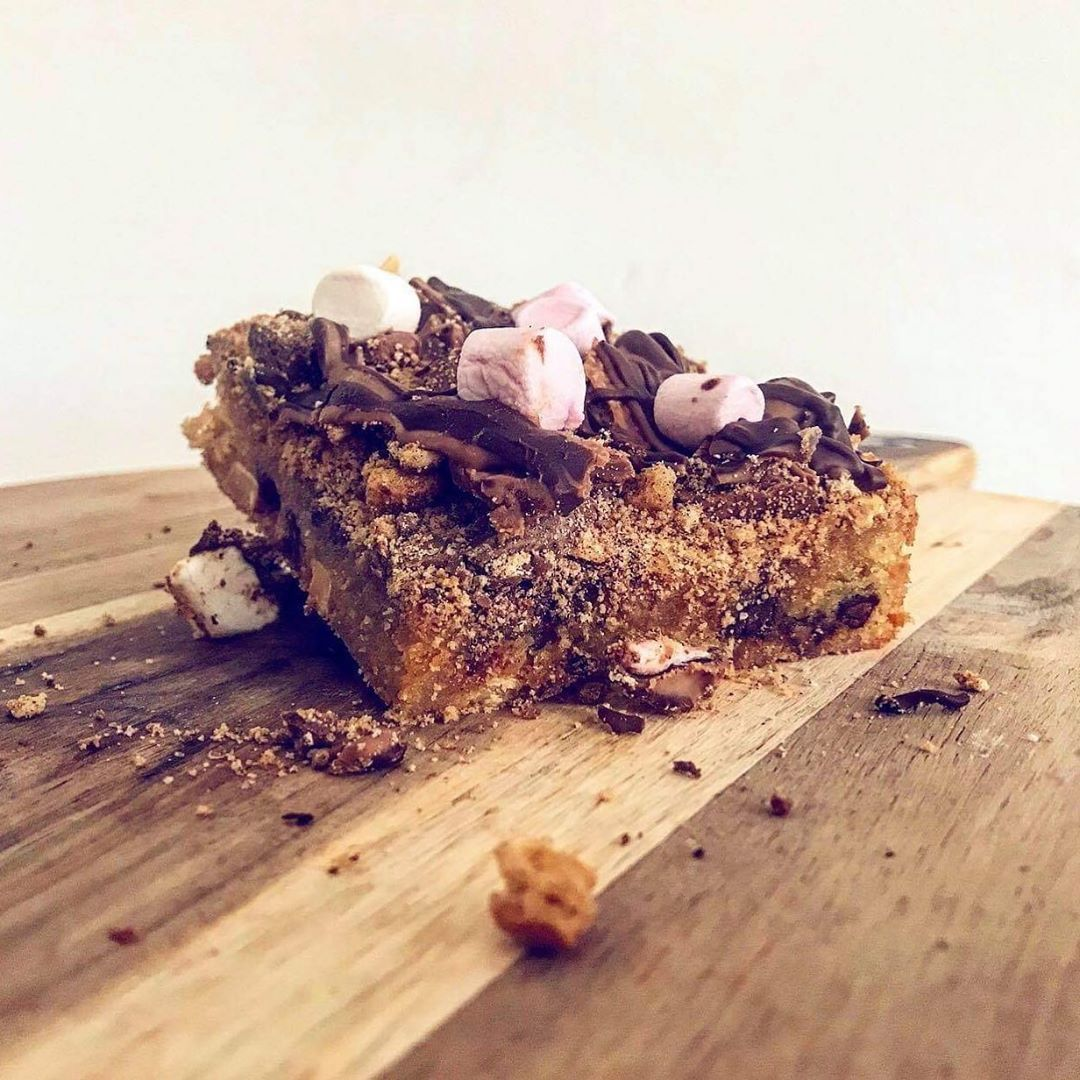 Who has tried one of our new S'mores blondies!? Melt in the mouth delicious right there!