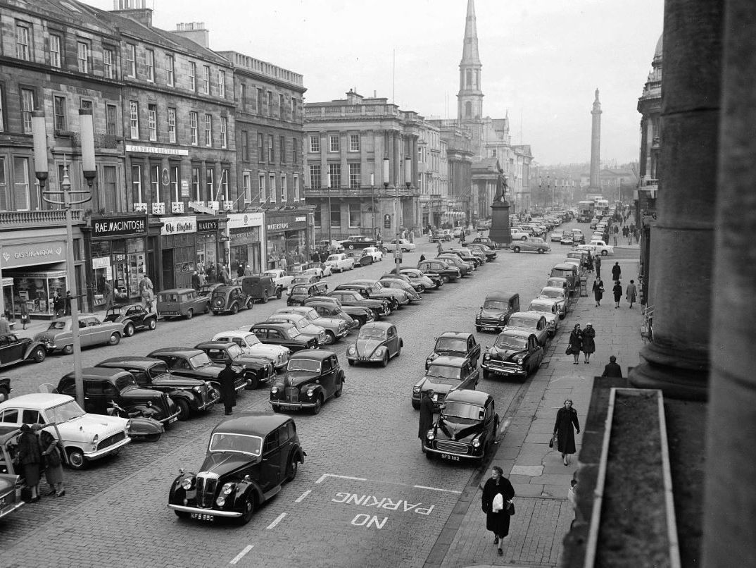 How Edinburgh looked in the 1950s | Edinburgh, Old town edinburgh, Edinburgh  scotland