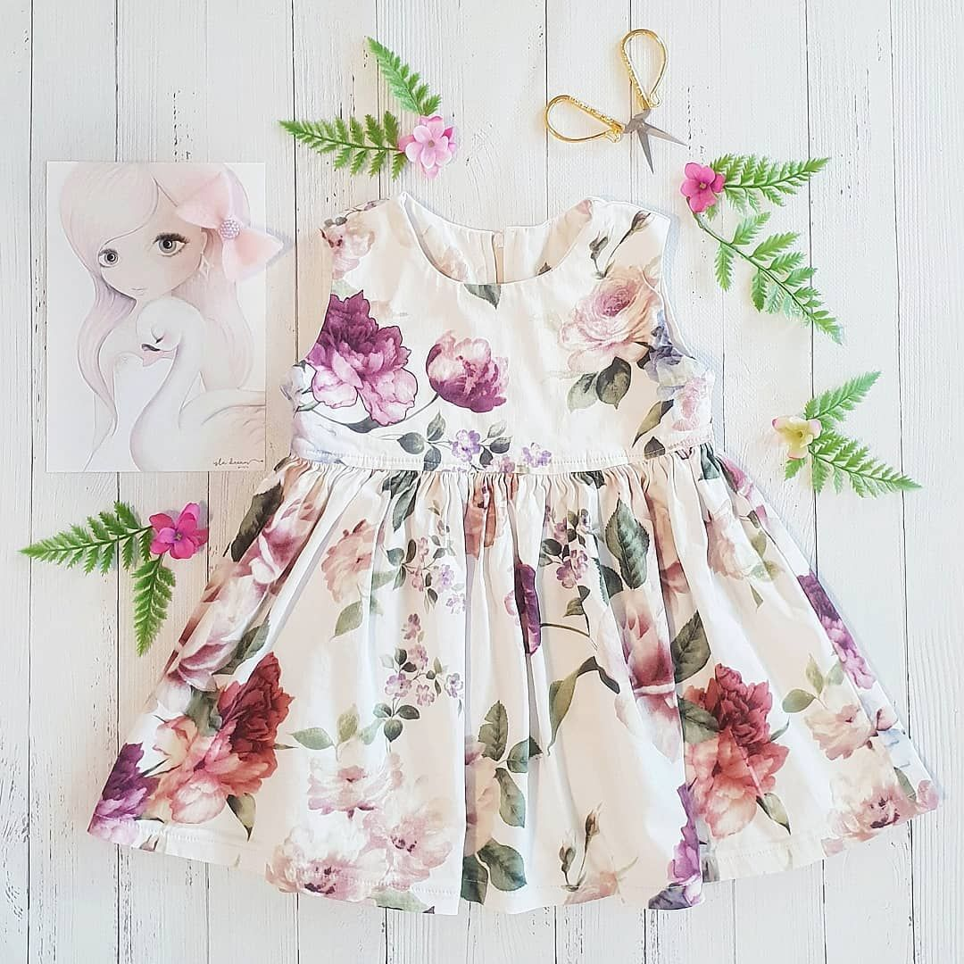 pretty little things  . . . . Loving our sweet prints from @isla_dream_prints  Dress @willownoak  Bow @lillys_handmade_collection . . . . #flatlay #flatlays #onmytable #flatlayfriday #visualsoflife #flatlaytoday #bow #girlsprint #girlsfashion #toddlerdress #floral #flatlaysquad #display #lovekids #alittlebeautyeveryday #productplacement #floraldress #creative
