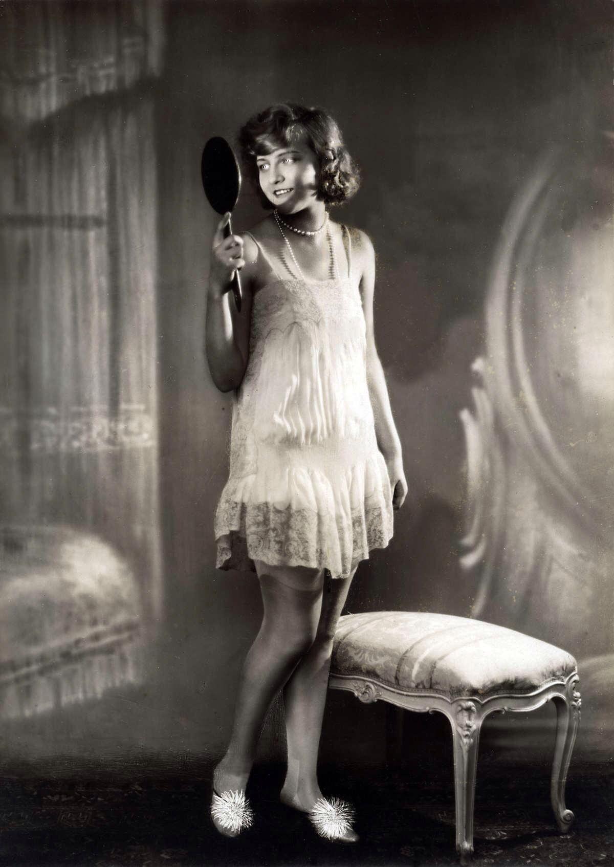 Dessous. 1929.