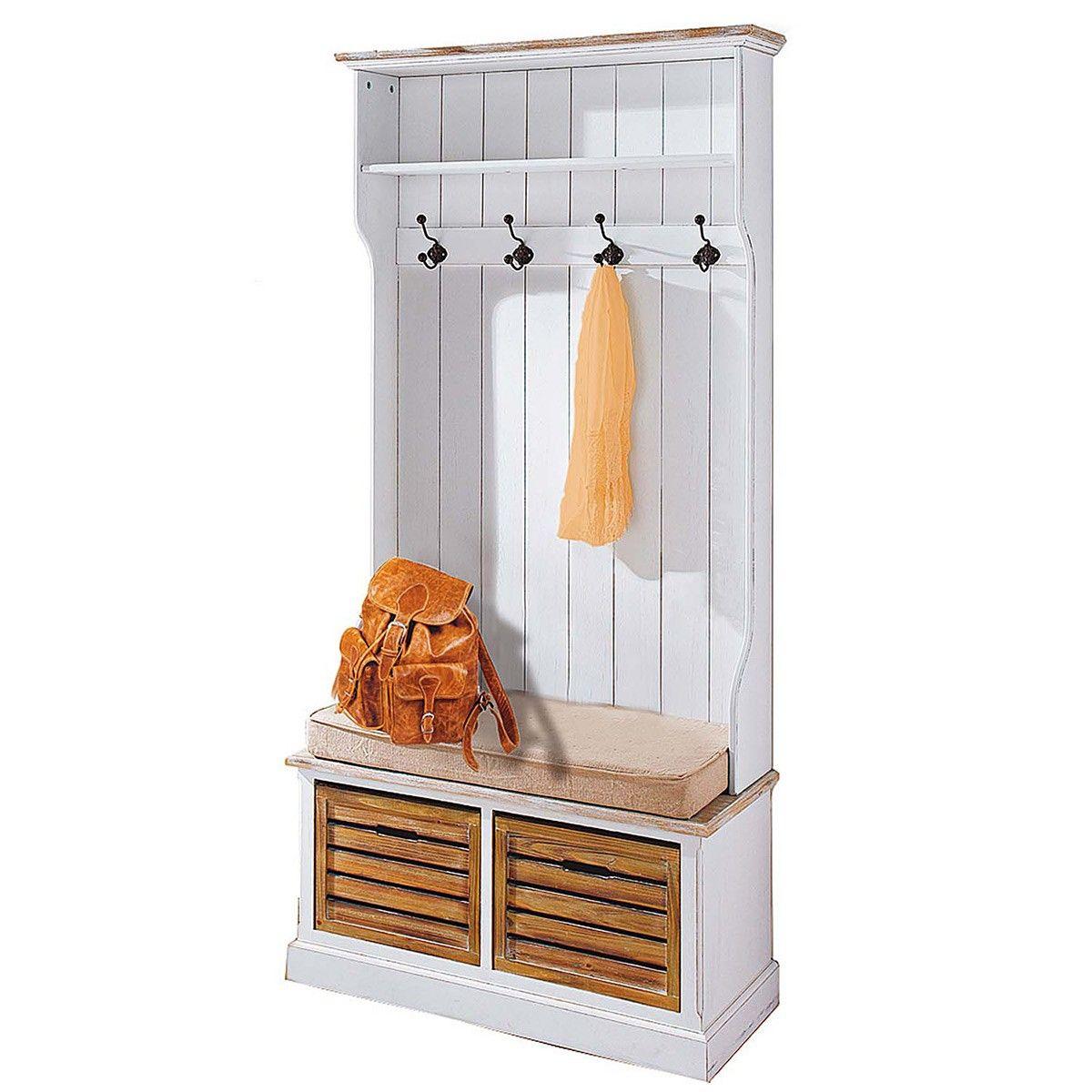 Schicke Garderobe, die für ein edles Ambiente