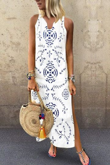 Photo of Casual maxi dress with V-collar and floral pattern #flower pattern # collar # casual # maxi dress