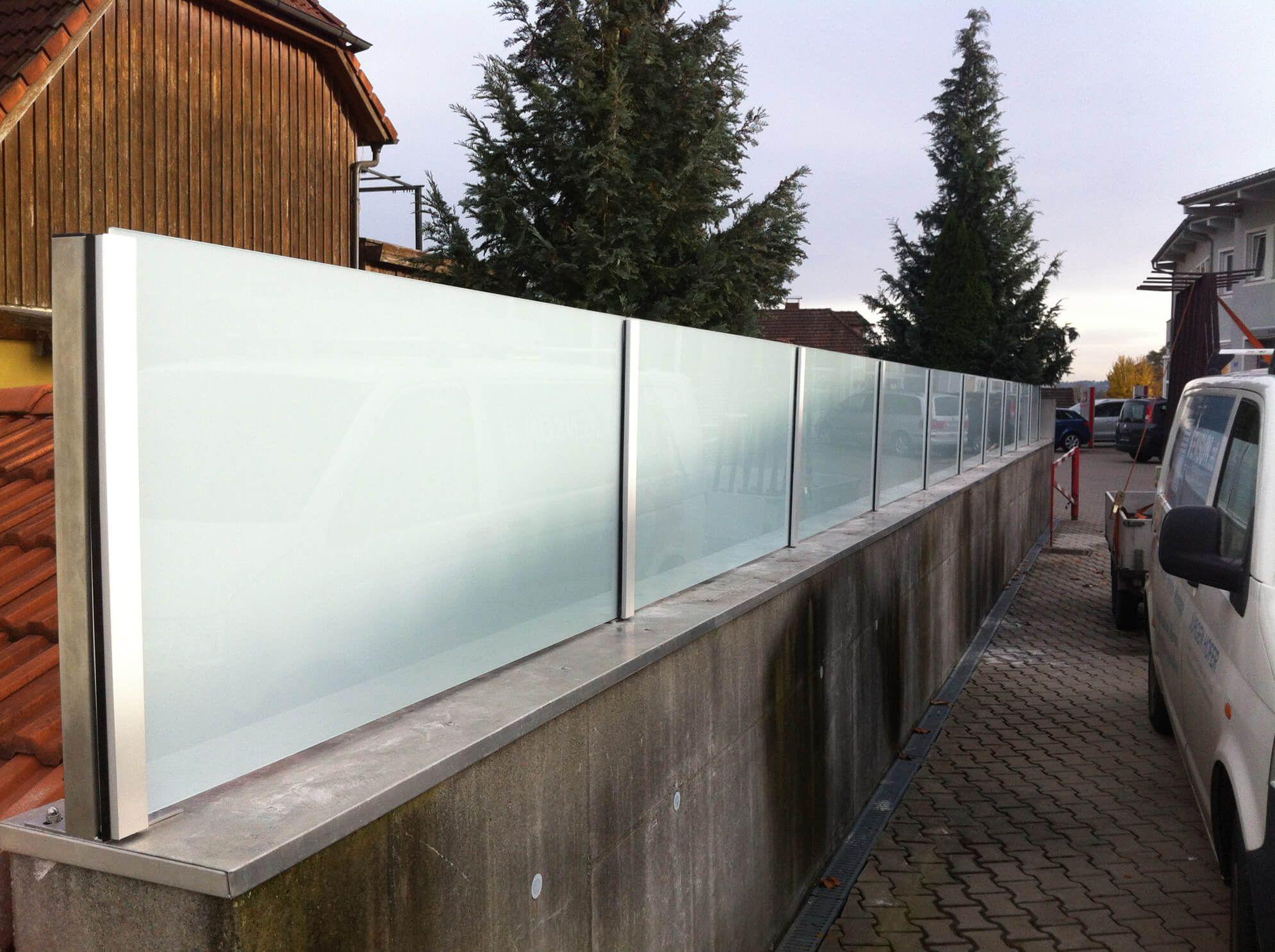 Freistehender Windschutz Glas Sichtschutz Glas Paletten Garten